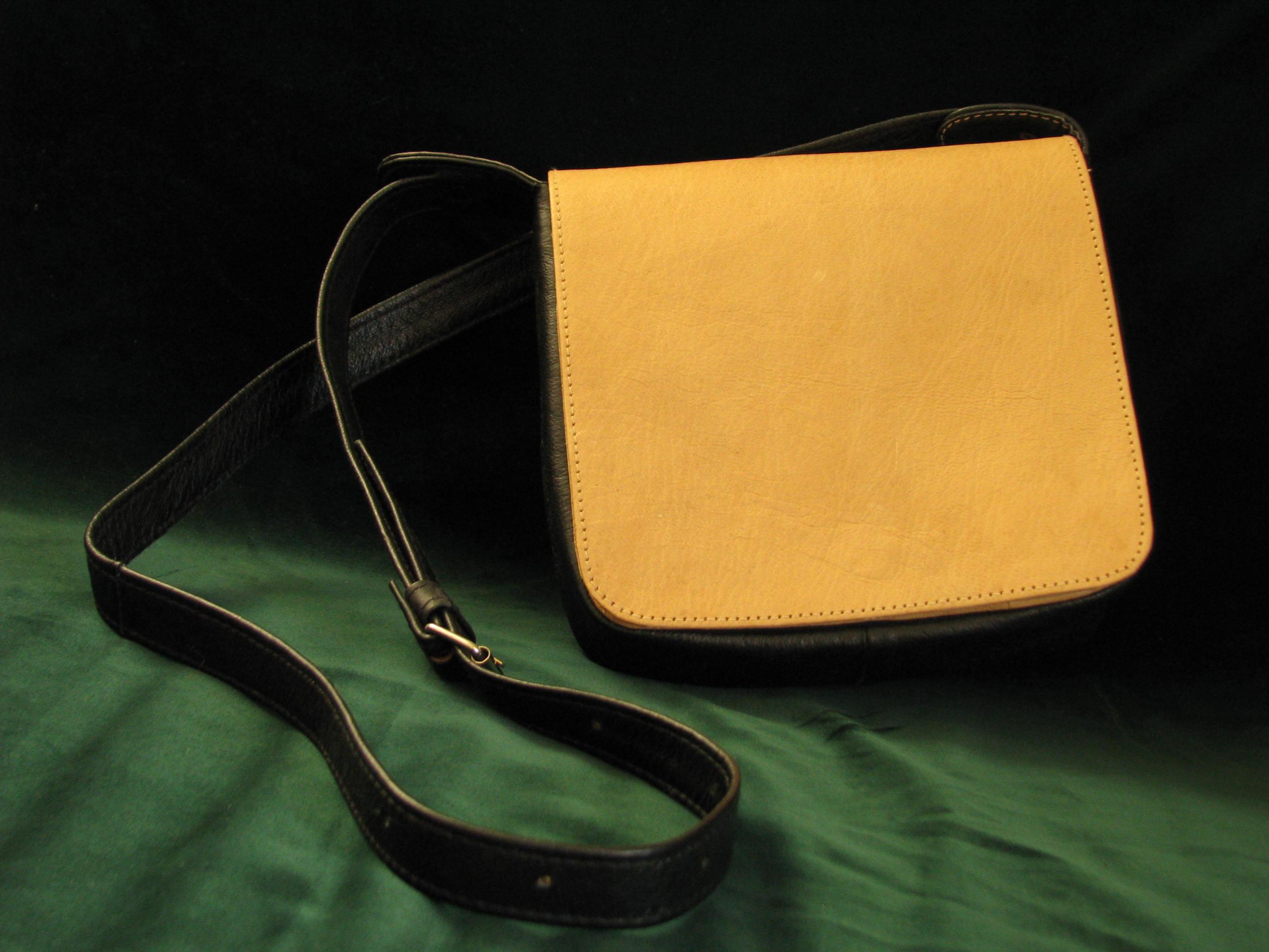 Gundara - Nigora - Lederhandtasche - kleine Schultertasche aus Echtleder - fair