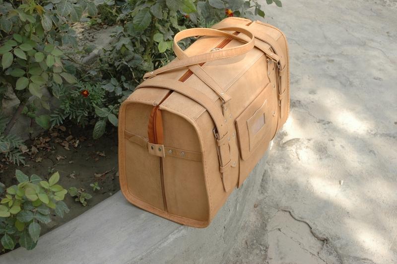 Gundara - Traveller Classic Medium - Side