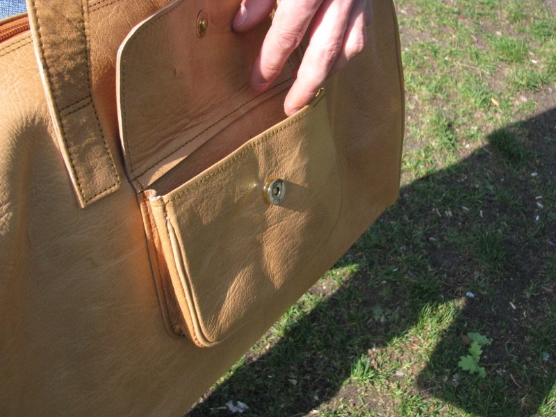 Gundara - Sport Bag - Side pocket