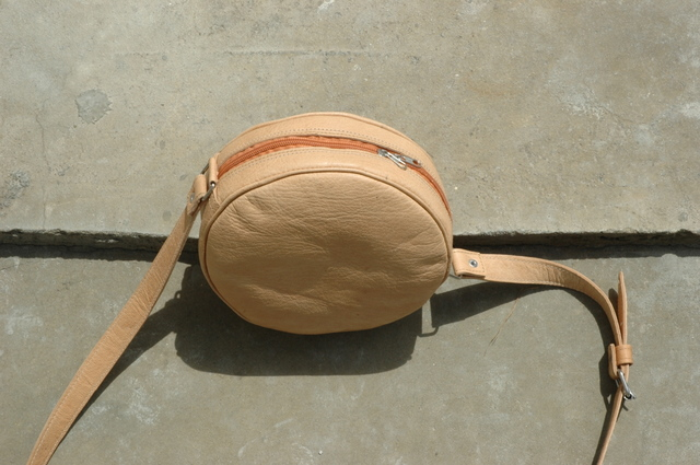 Gundara - Kolola - round evening bag - natural leather  - made in Afghanistan