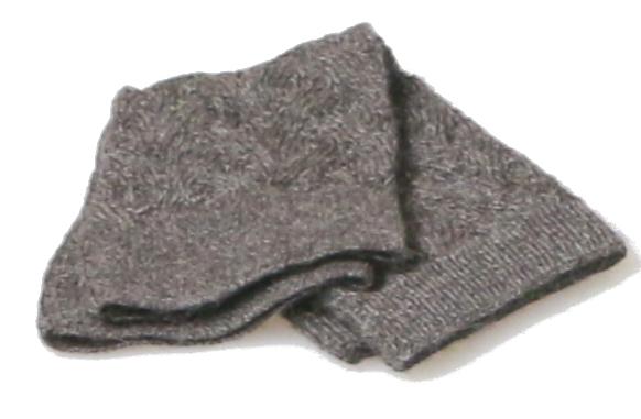 HechoNPeru - wrist warmer - baby-alpaca - fine braid pattern - grey