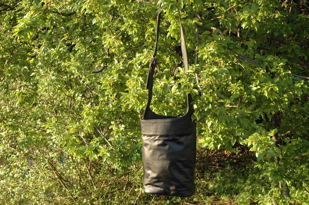 black leather shoulder bag - Gundara