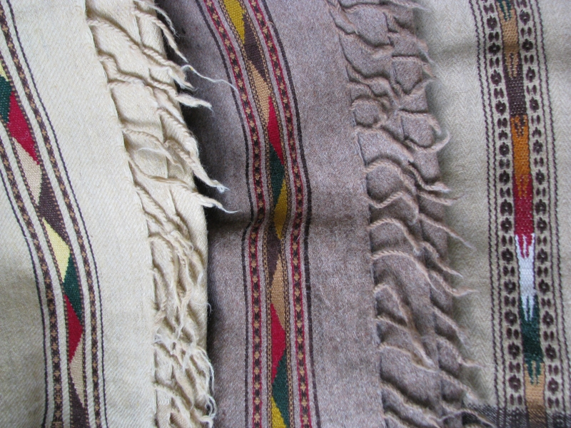 Gundara - Patou - Plaid Afghan - Couverture légère