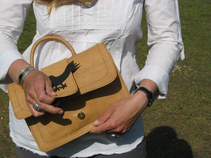 Gundara - Bird Bag - handbag - open - pure leather - from Afghanistan
