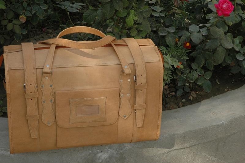 Gundara - Traveller Classic Medium - genuine leather - made in Afghanistan