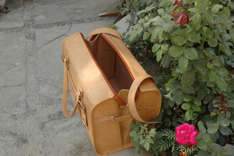 Gundara - Traveller Classic Medium - Open