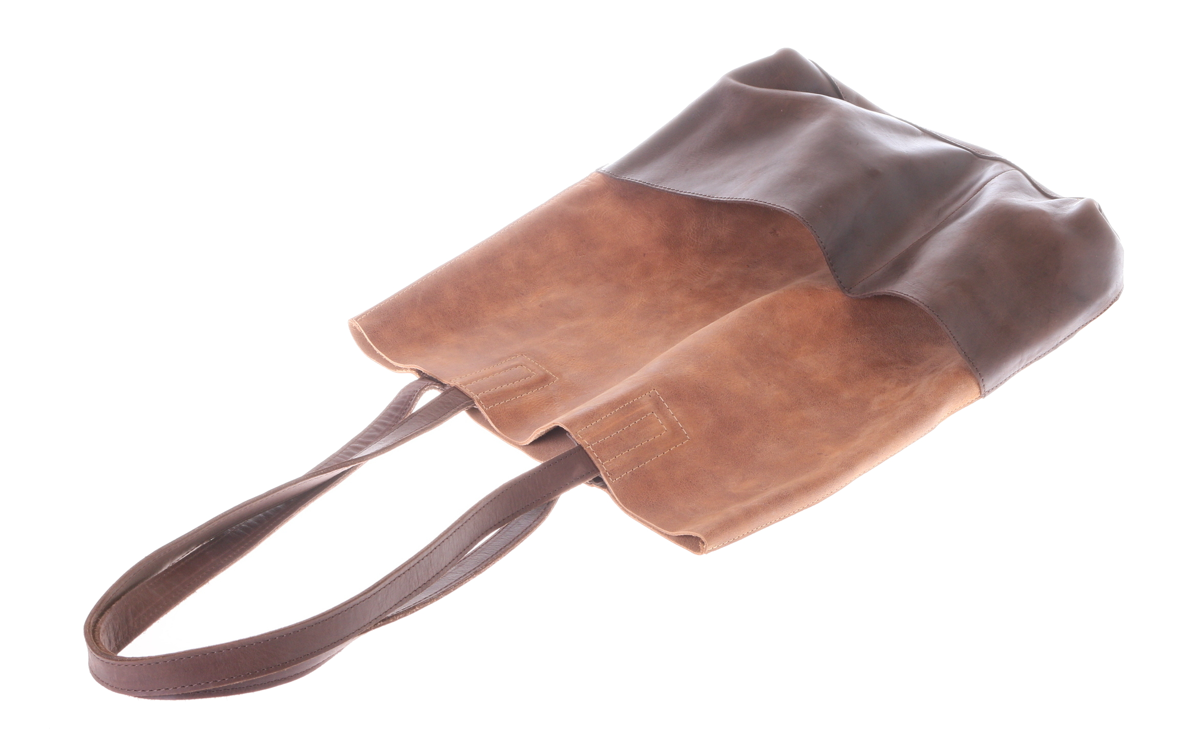 a minimalistic bag with 2 outside pockets