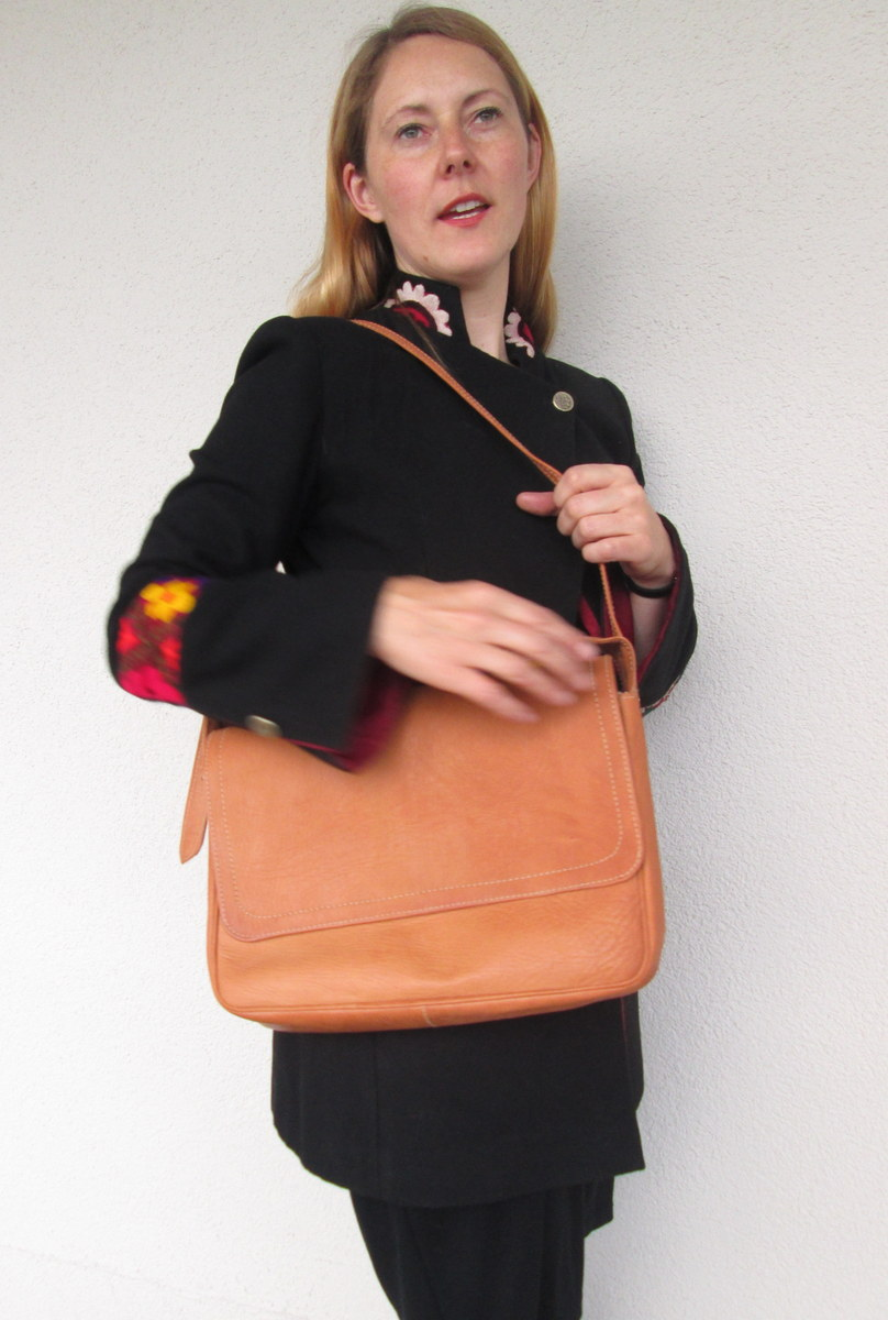 Bruno cross-body bag in natural leather