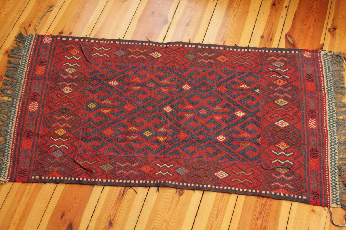 Small Olam Suzani with Blue Central Pattern - Gundara