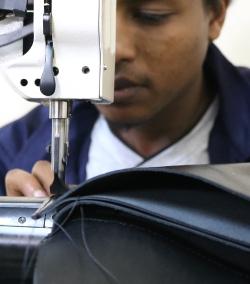 Ledertaschenproduktion in Addis