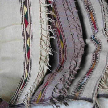 Gundara - Afghan Patu - woolen plaid in different colors - baby blanket