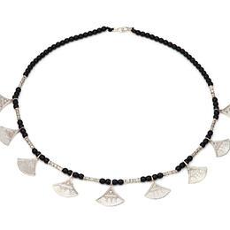Halskette mit Silber-Anhänger und Onyx Perlen